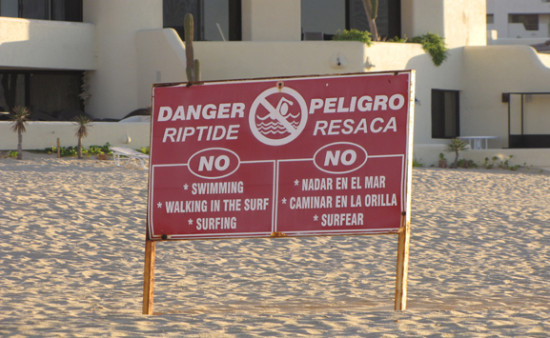 mexico-riptide-beach-warning