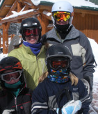 family-skiing-keystone